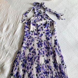 Tie neck floral pleated maxi dress size 10